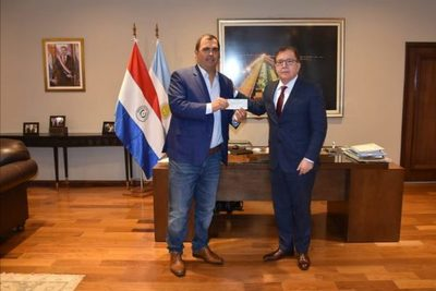 Yacyretá entregó aporte para proyecto de seguridad alimentaria en Caazapá