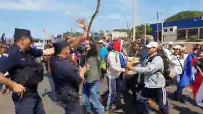 Policías en Caaguazú denuncian agresiones de indígenas y campesinos