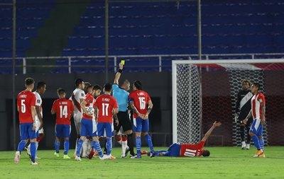 Los árbitros para la visita de Paraguay a Chile y Bolivia en Eliminatorias