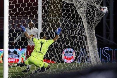 Bragantino golpea en casa y toma ventaja ante Libertad en la Sudamericana