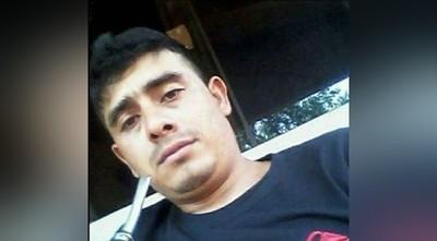 Hombre que asesinó a su expareja en un motel con orden de captura internacional