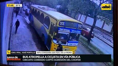 Bus atropella a ciclista en vía pública