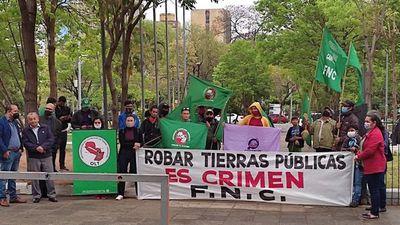 """""""Quieren criminalizar la lucha por la tierra"""", lamenta Teodolina Villalba"""
