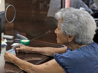 Veteranos del Chaco cobran hoy y adultos mayores el próximo jueves 30