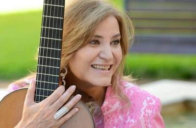Berta Rojas celebra un nuevo cumpleaños 'haciendo y enseñando música'