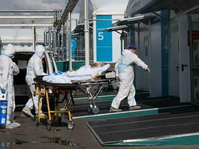 Muertes diarias por covid-19 en Rusia nuevamente en alza