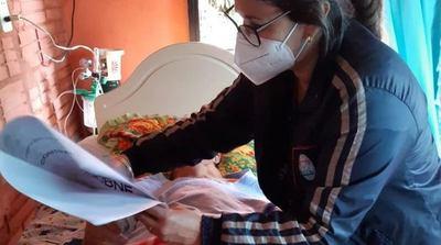 Adultos Mayores de Itapúa recibieron sus tarjetas del BNF