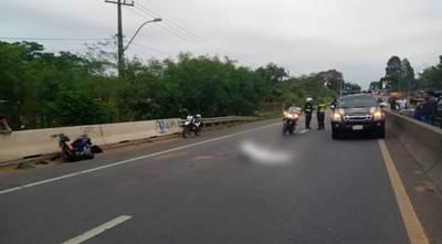 Motociclista pierde la vita en choque múltiple