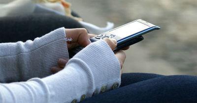 Tras violenta pelea joven tiró el celular en la cabeza de su novio y lo mató