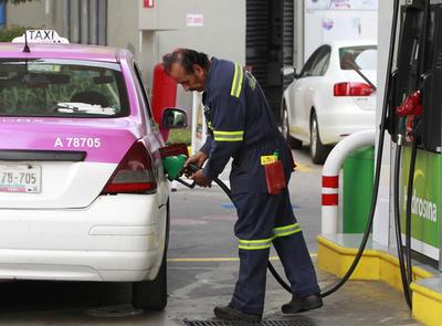 Dimite secretario de Comisión Reguladora de Energía de México entre denuncias