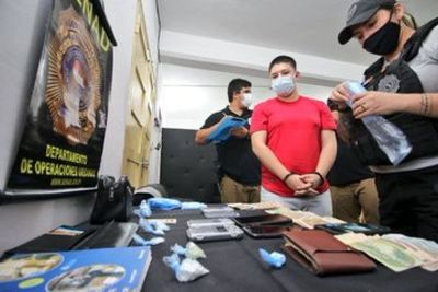 Venta de cocaína en una barbería de Asunción