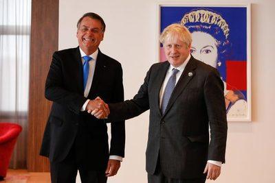 """Bolsonaro: Johnson quiere un acuerdo alimenticio """"de emergencia"""" con Brasil"""