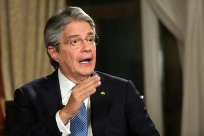Lasso anuncia reformas tributaria y laboral para estabilizar la economía