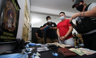 Allanan local con fachada de una barbería normal pero en realidad solo se vendía drogas