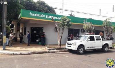 En menos de 1 minuto, ladrones roban G. 30 millones de la Fundación Paraguaya •
