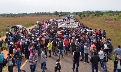 Varias asociaciones cerraron ruta y amenazaron con llegar a Asunción