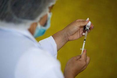 Liberan aplicación para primeras dosis de vacunas antiCOVID a mayores de 20 años