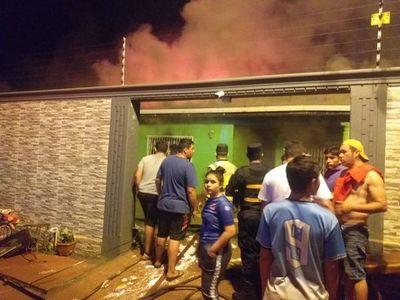 Incendio afectó por completo una vivienda en Pdte. Franco