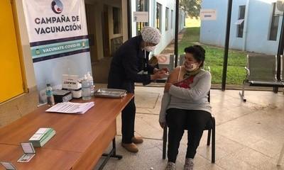 Liberan vacunas para primera dosis a mayores de 20 años
