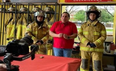 Rolando Segovia propone salario para bomberos