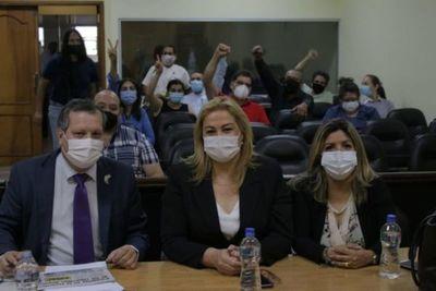 Fiscalía pide que se anule juicio donde absolvieron a Esther Roa por violación de cuarentena
