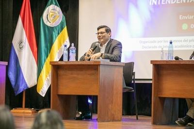 Éver Rojas Borja lamenta suspensión de debate a intendentables de CDE