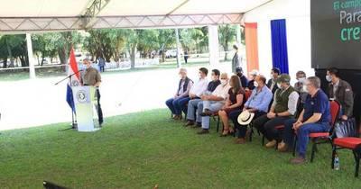 """La Nación / Nueva campaña de soja: """"En Paraguay, una buena cosecha significa un buen año económico"""""""