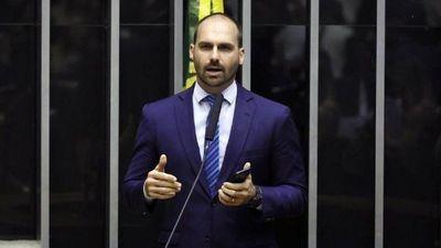 El hijo de Bolsonaro da positivo al Covid y prende la alerta mundial