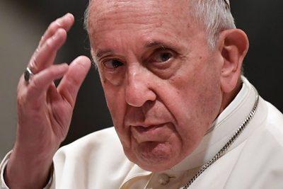 El Papa Francisco suspendió seis meses a un influyente cardenal por una causa de abusos a menores