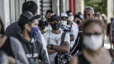 América enfrentará brotes de coronavirus 'hasta bien entrado 2022', advierte la OPS