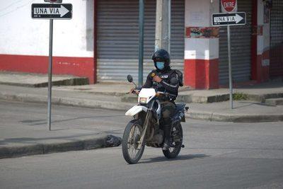 La Policía realiza más de 300 operativos diarios en Guayas, dice su gobernador