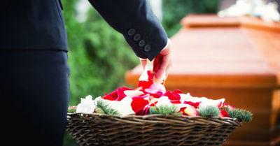 La campaña de una funeraria para que las personas le tomen el peso a lo vital que es vacunarse contra el Covid