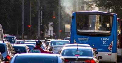 Estudio revela que el teletrabajo permitiría reducir la contaminación
