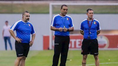 Leonardo González dirigirá a Venezuela tres partidos más