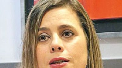 Kattya demanda a Cartes y su grupo de medios por ataques