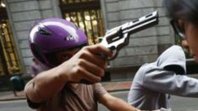 """Motochorros asaltan a tres mujeres: """"Vivir en Paraguay es una ruleta rusa"""""""