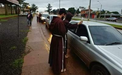 Capuchinos bendicen vehículos este sábado en el Km 8