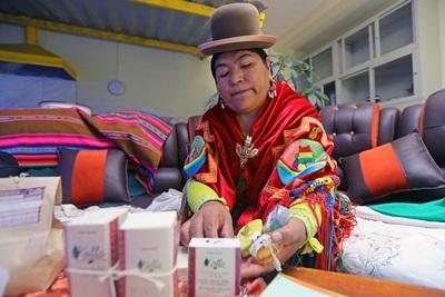 Silveria Cutipa, la química aimara que hace jabones con aceite reciclado