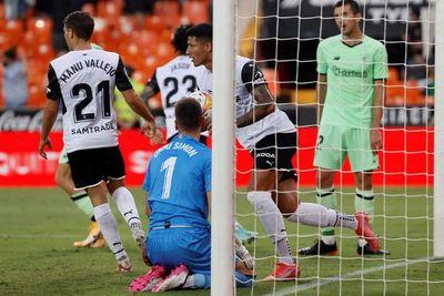 Valencia, con Alderete de titular, rescata un punto con diez en la prolongación