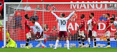 Martínez desafió a CR7, Fernandes malogró un penal y el United cae en casa