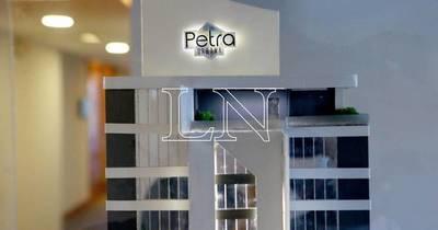 La Nación / Se erige en Asunción Petra Tower, la torre más alta del país