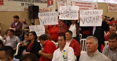 La Nación / Colorados de José Leandro Oviedo denunciaron ser eliminados del padrón electoral