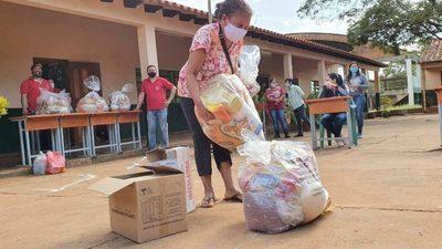 120 MIL ALUMNOS RECIBEN KITS DE ALIMENTOS EN ALTO PARANÁ
