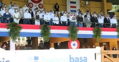 La Nación / Expo Ganadera: cierre exitoso con el desfile de campeones en todas las razas y especies