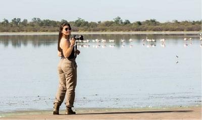 La caazapeña Sonia Maciel, la fotógrafa más sexy del país, deslumbra con sus fotos sobre la naturaleza