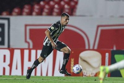 El Mineiro de Alonso saca ventaja arriba aprovechando la caída del Palmeiras de Gómez