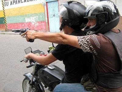 Motochorros roban Gs. 30 millones a comerciante