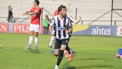 Montevideo Wanderers enlaza su tercera victoria y lidera