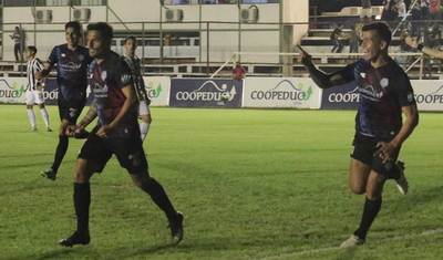 Guaireña se reencuentra con la victoria ante Libertad