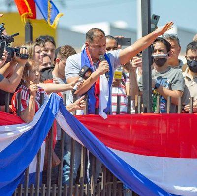 Prieto lidera manifestación y asegura que el país está cansado de que Cartes lo gobierne